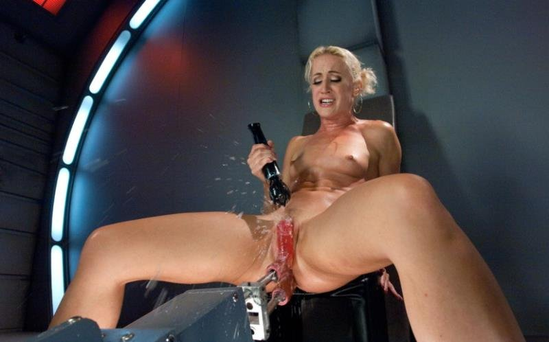 FuckingMachines: (Dylan Ryan) - Squirt Alert: So MUCH Girl Cum [HD / 1023 MB] - BDSM / Fuck Machine