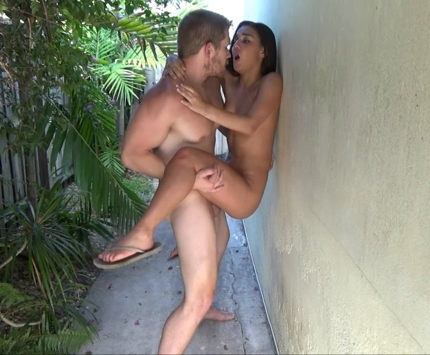 Clips4sale (nadia White) Family Therapy Hide Seek Hd 720p