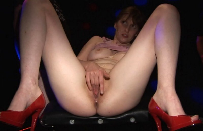 Sperma-Studio: (Sandra666) - Sandra666 in Black Studio [HD 720p / 369 MB] - Bukkake / Germany