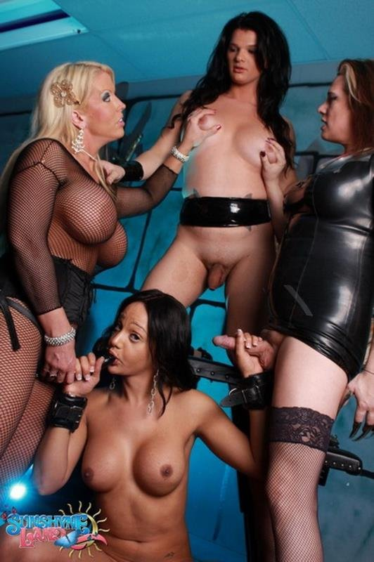 SunshyneLand: (Sunshyne Monroe) - 4some [HD / 528 MB] - Transsexuals / Group