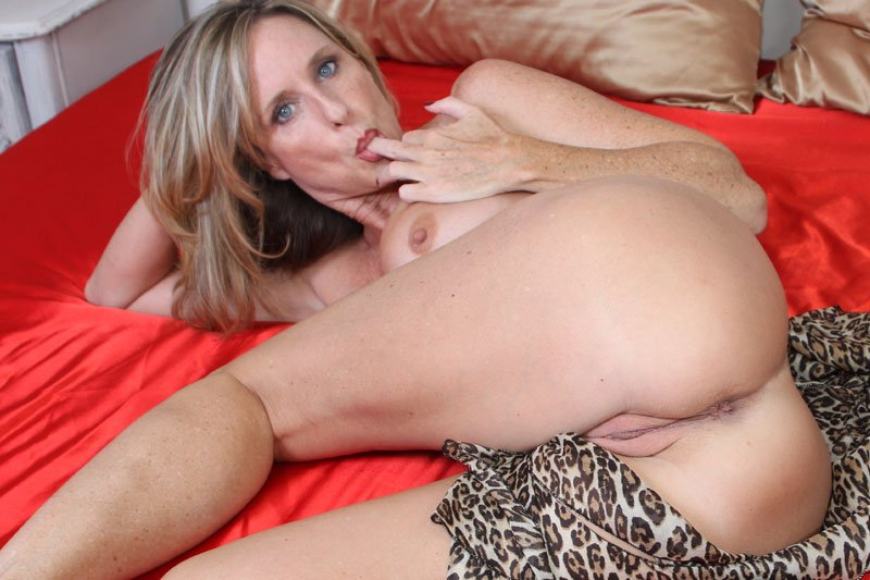 JodiWest: (Jodi West) - The Needs of a Mother [HD / 835 MB] - Milf / Incest