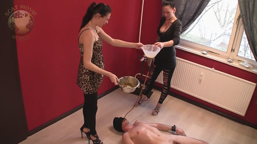 Scat-Movie-World: (Lady Chantal, Miss Jane) - Shitting And Instiled [HD 720p / 531 MB] - Scat / Germany