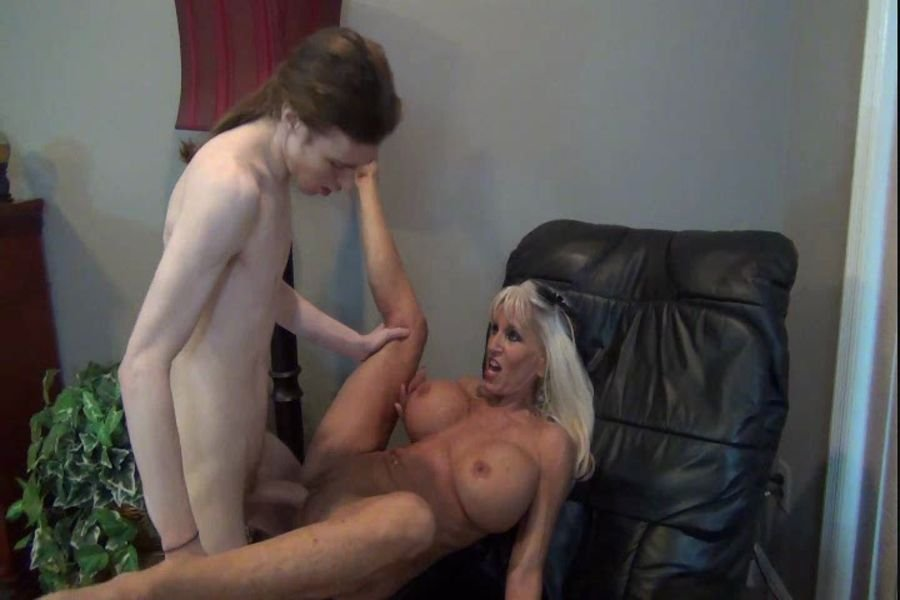 Clips4sale: (Sally D'angelo) - Motherly Reward Sally D'angelo [SD / 300 MB] - Taboo / USA