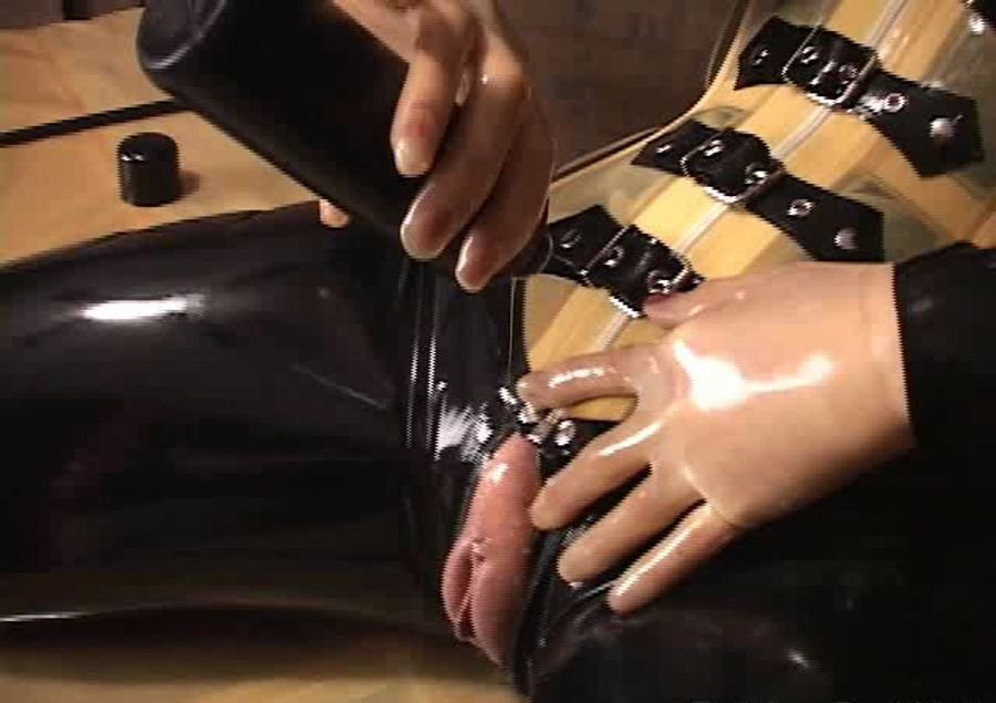 RubberDoll: (Rubber Doll) - Rubbered up - solo series [SD / 125 MB] - Fetish / Latex