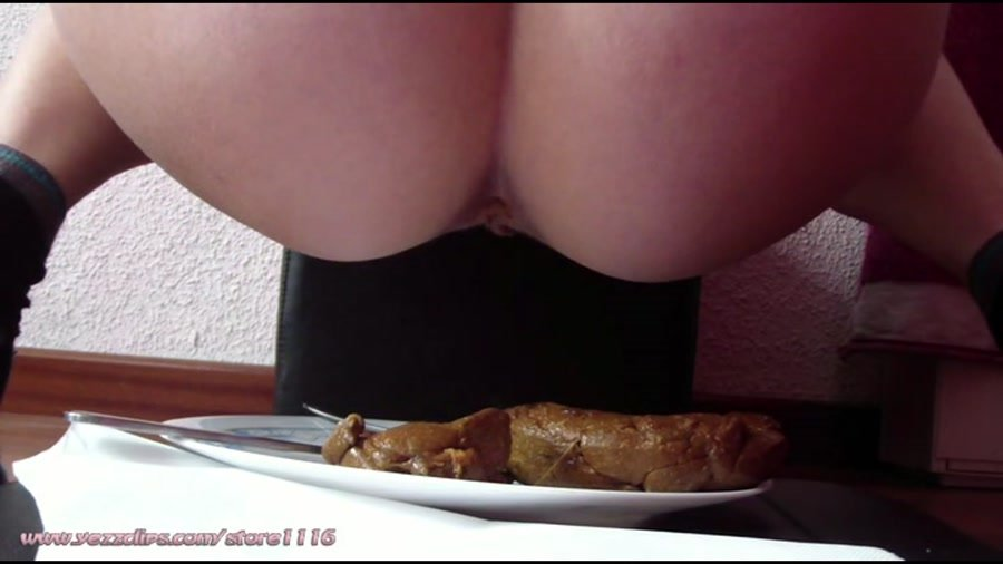 YezzClips: (4 Scat Girls) - New Year's Meal for All of You [FullHD / 711 MB] - Scat / Human Toilet