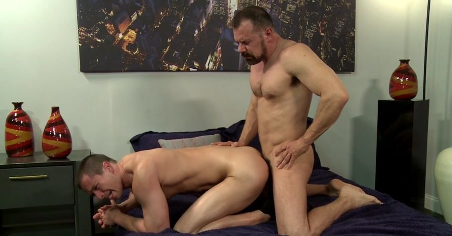 MenOver30: (Max Sargent, Kacey Jones) - Beer Can Cock [SD / 447 MB] - Gay / Hardcore
