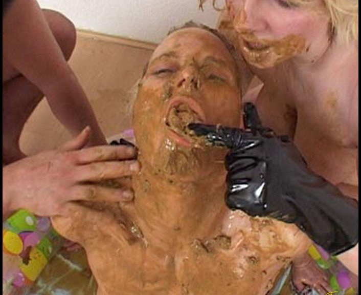 (CandieCane) - Living Toilet 2 Hightide-Video [SD / 681 MB] - Femdom Scat
