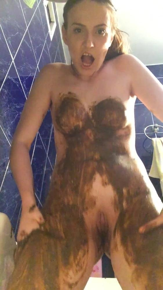 (DianaSpark) - The Big Shit Smear all over my Body [2K UHD / 367 MB] - Scat / Poop