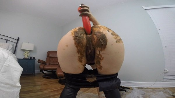 (HotScatWife) - Leather PANTS POOP PLAY DAY [FullHD 1080p / 1.44 GB] - Scat / Jean Pooping