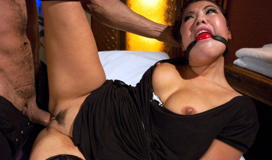 SexAndSubmission.com: (London Keyes) - Punished Masseuse [SD / 366 MB] - BDSM, Submission
