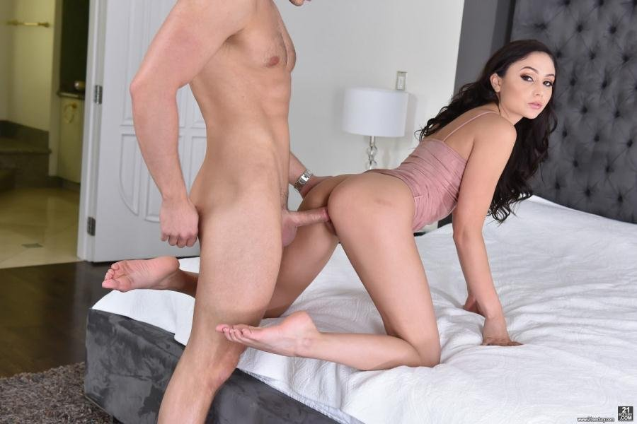 FootsieBabes.com: (Ariana Marie) - Feet And Fuck [FullHD 1080p / 1.17 GB] - Hardcore, All Sex