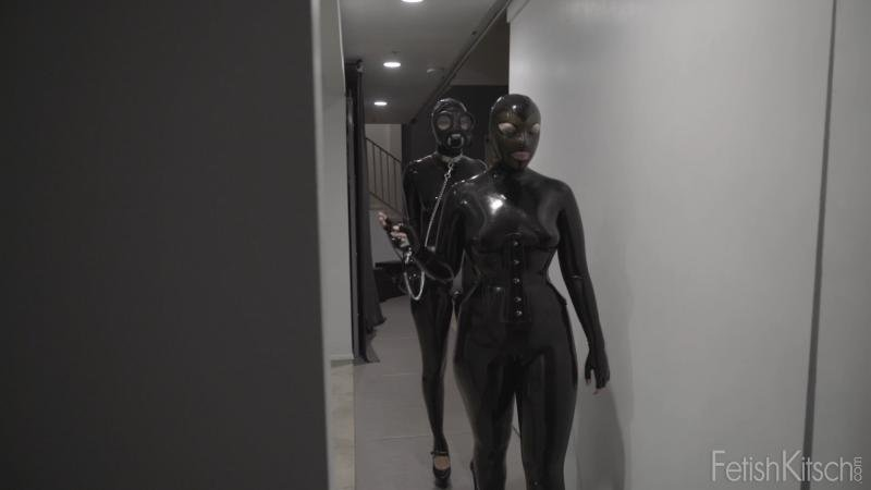 fetishkitsch.com: (Nenetl Avril, Miss Kitsch) - Out for a Walk [FullHD 1080p / 1.06 GB] - Fetish, Latex, Rubber