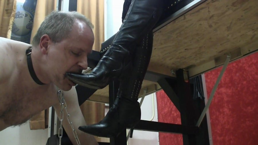 Scat-Movie-World.com: (ShitGirl) - Mein Stiefellecker hat Hunger [FullHD 1080p] - Latex, Germany