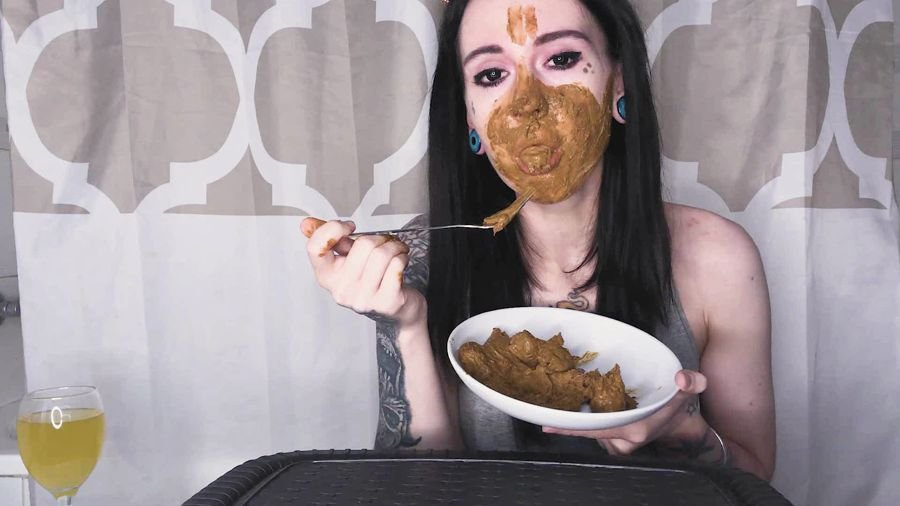 Solo Scat: (DirtyBetty) - Real Scat Breakfast [FullHD 1080p] - Eating, Teen
