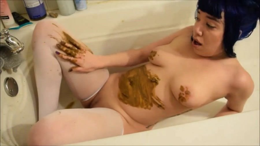 Solo Scat: (Little Puck) - Alternative girl with a nice body smearing shit [HD 720p] - Masturbation, Asian