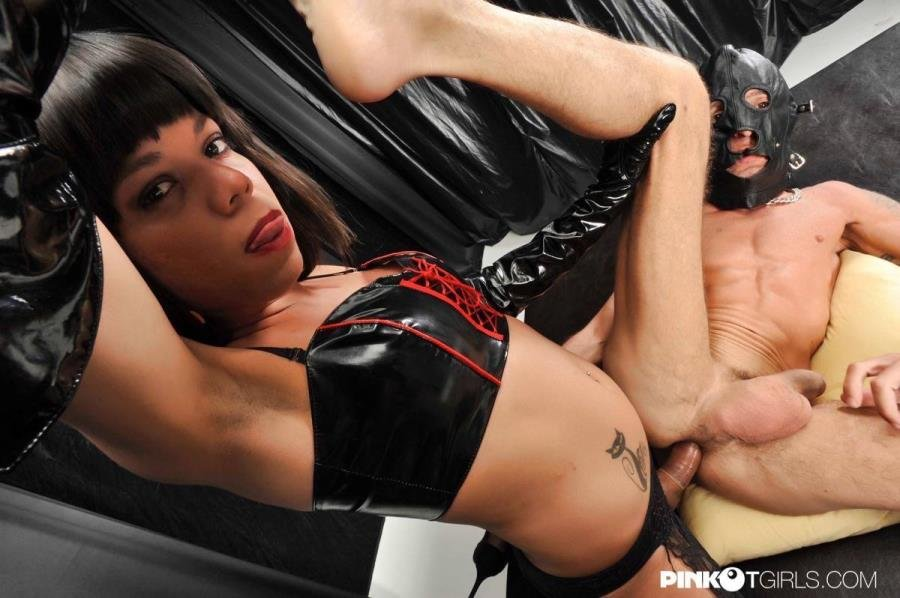 PinkOTgirls.com: (Walleska Wisiley) - T-Mistress Walleska: The Ass Breaker [FullHD / 1.07 Gb] -