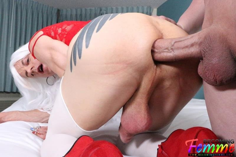 BecomingFemme.com: (Tanya Nite) - Big Dick Crossdresser Gets Fucked [FullHD / 1.78 Gb] -