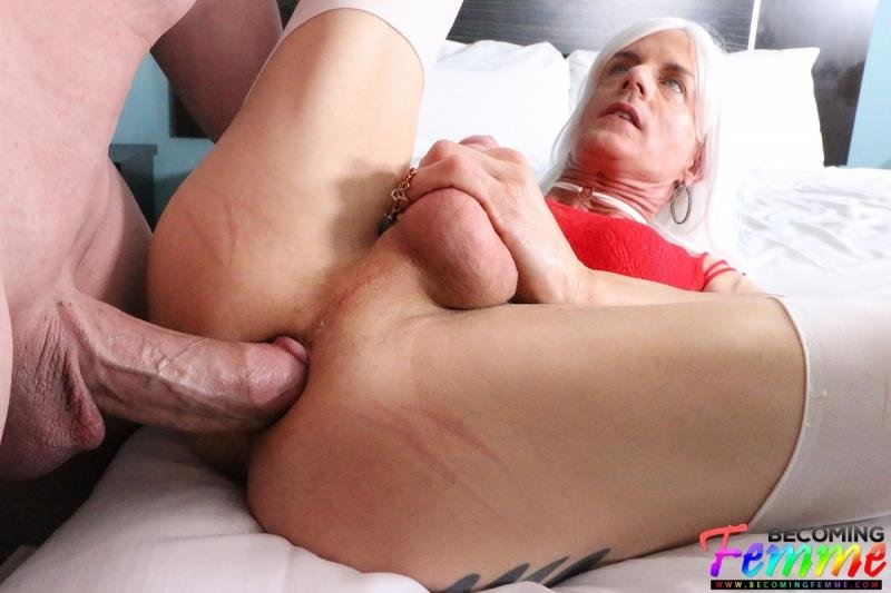 BecomingFemme.com: ( Tanya Nite ) - Big Dick Crossdresser Gets Fucked  [SD / 685.52 Mb] -
