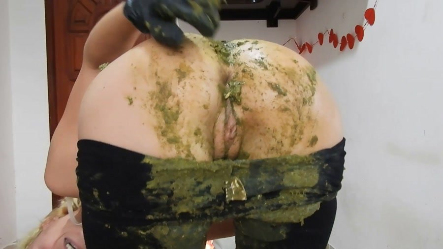 Big Farting Girls: (MissAnja) - Giant Green Peas Poo In My Black Leggings [FullHD 1080p] - Solo