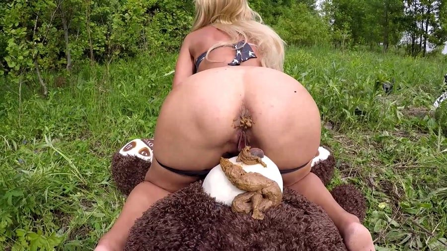Extreme Scat: (Solo) - Mr. Teddy in The Woods [FullHD 1080p] - Talking, Anal