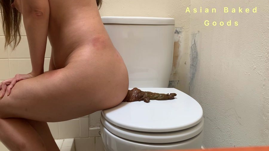 Scatting Girl: (Marinayam19) - Shit side ways on the toilet seat [FullHD 1080p] - Solo, Amateur