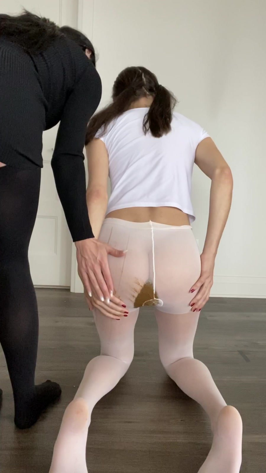 Shit In Pantyhose: (TheHealthyWhores) - Shitting myself inside white pantyhose [UltraHD 2K] - Solo, Teen