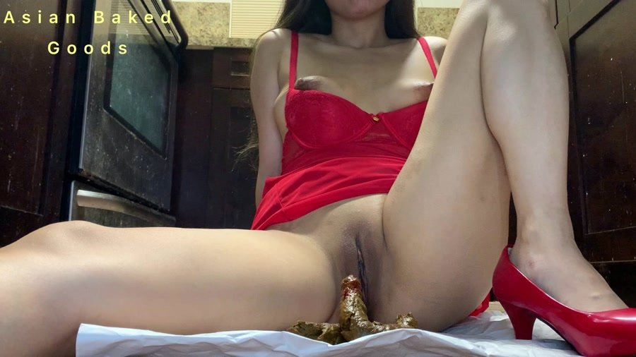 Solo: (Marinayam19) - Red lips/ heels/ lingerie/ blood [FullHD 1080p] - Big pile, New scat